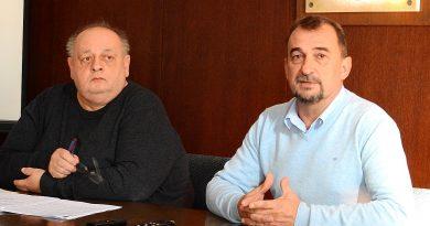 Izvanredna press konferencija zbog ostavke gradonačelnika Vinka Grgića / VIDEO